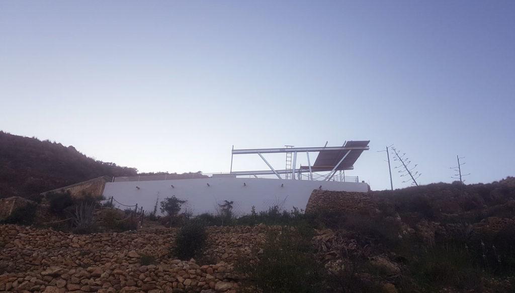 construcción paneles solares - casa eco responsable - casa sol y luz